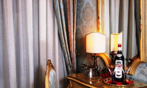 5.sedia.specchio.amaro